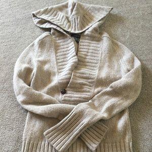 Banana Republic hooded long sleeve sweater